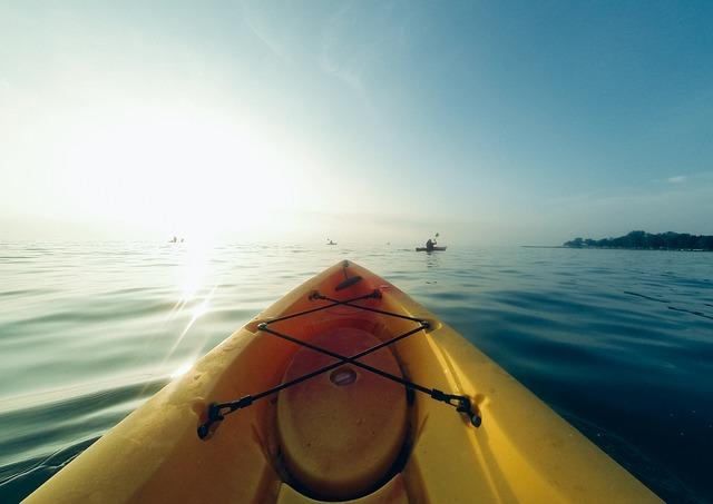 kayak-846078_640