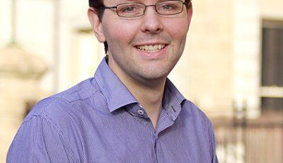 Brain Immune communication expert neuroscientist Dr Mark Hutchinson